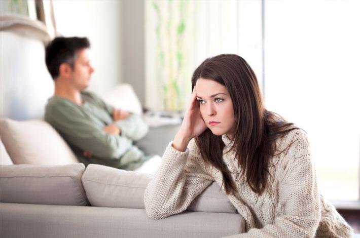 Auf dem Headerbild für Familienrecht in Duisburg ist ein streitendes Ehepaar zu sehen.
